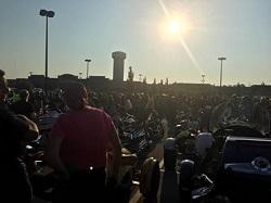 Dawn crowd photo